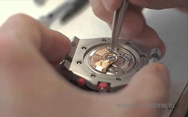 Audemars Piguet Swiss Replica Watch AP rotor is in position